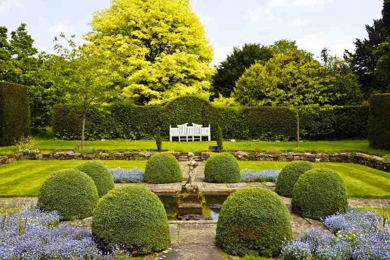 Оформление сада по определенным стилям
